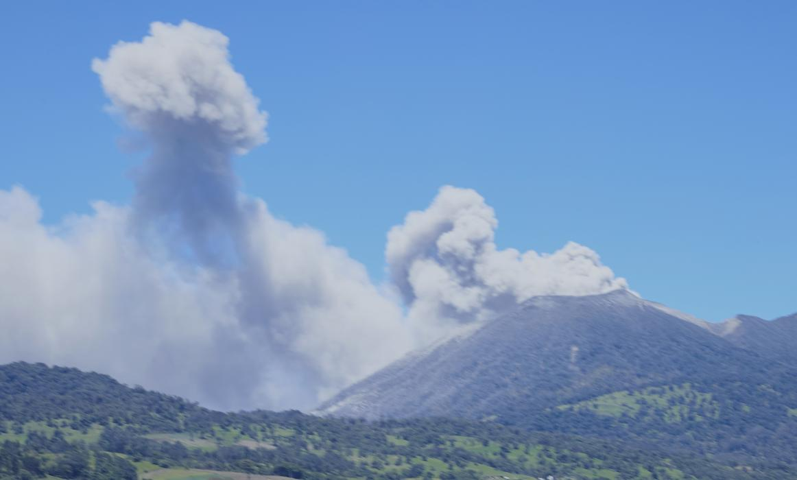 CostaRica_ActiveVolcano_008
