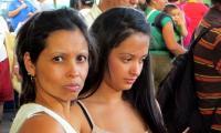 tica-mum-daughter-market