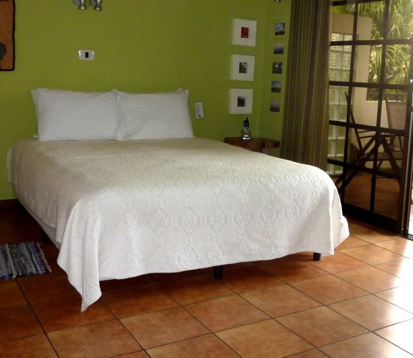 Volcano bedroom (2 queen beds)